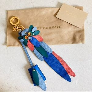 Burberry key + lock beasts collection leather blue